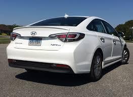 2016 hyundai sonata in hybrid 2016 hyundai sonata hybrid proves slick and efficient consumer