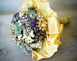 how to make wedding bouquets 13 diy brooch wedding bouquets that you can make happywedd