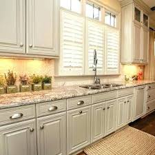 which paint for kitchen cabinets benjamin moore paint kitchen cabinets faced