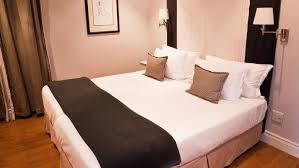 King Size Bed Is A Queen Size Or King Size Bed Bigger Reference Com