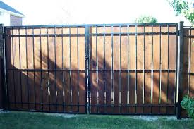 Front Yard Metal Fences - wood and metal fence panels thesouvlakihouse com