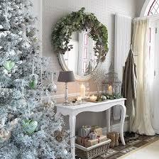 Christmas Home Decor Uk 25 Best Christmas Hallway Ideas On Pinterest Christmas Garland