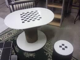 table basse touret bois petits meubles et rangements exemples dans l u0027art du temps