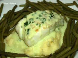cuisiner dos de cabillaud poele dos de cabillaud poêlés au coulis de chou vert pique assiette