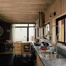 cuisine maison bois cuisine moderne pays idees de decoration