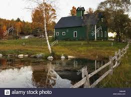 vermont farmhouse barn farm pond vermont stock photos u0026 barn farm pond vermont stock