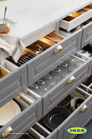Kitchen Drawers Instead Of Cabinets by Yes Drawers Vs Cupboards For Organization And Easy To Get Things