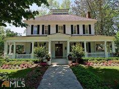 Southern Plantation Style Homes One Of My Favorite Houses Classic Yet Not Too Fancy Norris