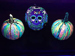 10 glow in the dark pumpkin diys ilovetocreate