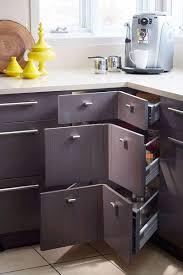 armoire en coin cuisine l aménagement de l espace cuisine cherche la fonctionnalité
