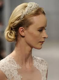 Hochsteckfrisurenen Hochzeit Mit Haarreif by Die Besten 25 Hochzeitsfrisur Mit Haarreif Ideen Auf