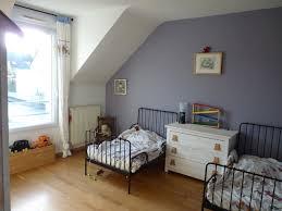 repeindre une chambre en 2 couleurs comment peindre une chambre avec 2 couleurs affordable bleu