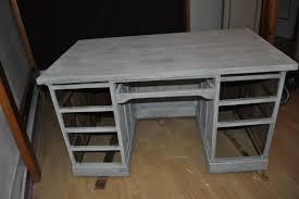 relooker un bureau en bois repeindre un bureau en bois newsindo co