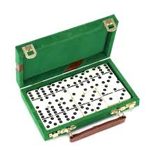 Designer Chess Sets by Backgammon Chess Checkers Domino Sets U0026 More Bello Games New