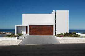 garagentor design elektrisches garagentor 18 ideen für eine attraktive fassade
