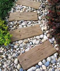 15 ways to decorate outdoor space with wooden tiles