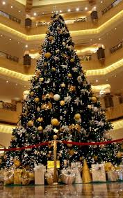 Christmas Light Ideas Indoor by 90 Best Lobby Christmas Trees Images On Pinterest Lobbies