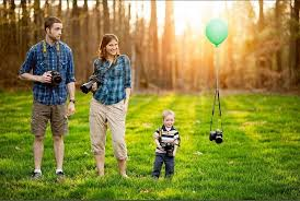 30 absolutely creative family picture ideas