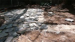 How To Lay Patio Stones by How To Build A Flagstone Patio Designs For Flagstone Patio