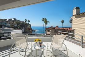 Beach House In Laguna Beach - warren buffett asks 11m for his laguna beach house dailydeeds