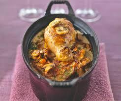 cuisiner un coq au four recette traditionnelle coq au riesling et aux spätzles