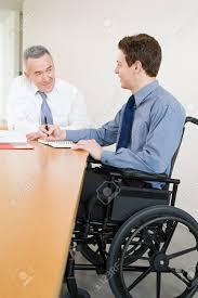 employé de bureau handicapés employé de bureau banque d images et photos libres de