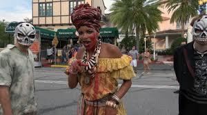 Voodoo Queen Halloween Costume Voodoo Queen Bayou Blood Scare Zone Halloween Horror Nights