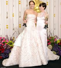 Jennifer Lawrence Home by Pale And Interesting Jennifer Lawrence Anne Hathaway And Jessica