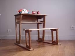 bureau enfant 4 ans bureau pour enfant 6 7 ans avec tiroir caisson le monde de gwén