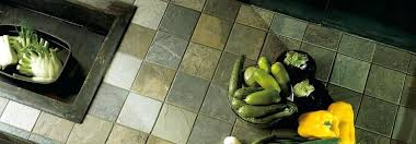 carreler une cuisine carrelage plan travail cuisine carreler un plan de travail et la