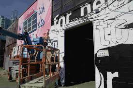 vancouver paints the town red dzine trip vancouver mual festival j1