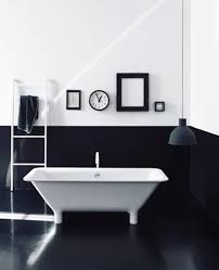 Black And White Modern Bathroom by Luxurious Black White Bathroom Installed On Tiled Flooring