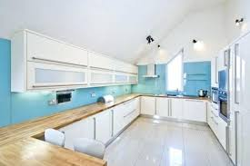 choisir couleur cuisine comptoir bois cuisine quelle couleur cuisine choisir 55 idaces