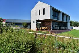 Modern Barn Dynamic And Eclectic Modern Barn In South Africa Freshome Com