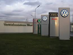 volkswagen headquarters volkswagen vw says offices of cfo hr chief chairman raided by