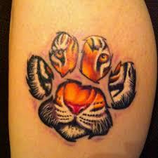 tiger in paw print