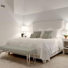 bench at foot of bed design ideas