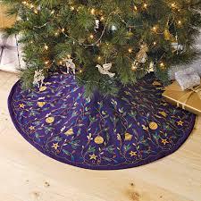 decor embroidered tree skirt