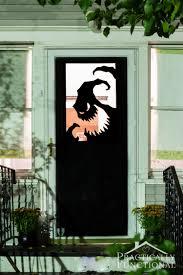 25 spooktacular halloween door décor diys