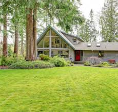 big countryside house beautiful curb appeal u2014 stock photo