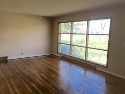 Worthington Laminate Flooring 1057 Beechview Dr N Worthington Oh 43085 Mls 217011147 Movoto Com