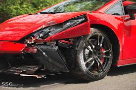 crashed lamborghini car pictures