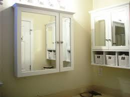 Small Bathroom Light Fixtures by Bathroom Light Fixtures Over Medicine Cabinet U0027