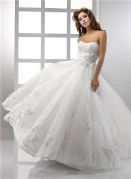 a line princess strapless vintage lace wedding dress with flowers