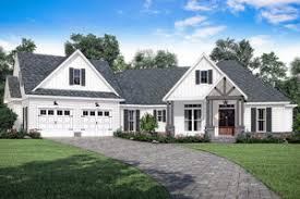 Impressive Design 7 Colonial Farmhouse Farmhouse Home Plans Dreamhomesource Com
