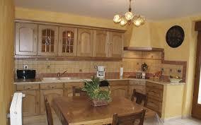 cuisine bois rustique cuisines rustique tradition teinte bois cuisines laurent