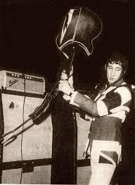 Hit The Floor Pete - smashed guitars pete townshend u0027s guitar gear whotabs