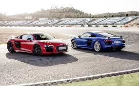 Audi R8 V10 - audi r8 v10 vs the v10 plus see the difference moto networks