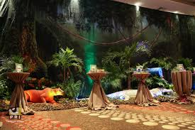 safari decorations it s a jungle out there trade show the backdrop props plants
