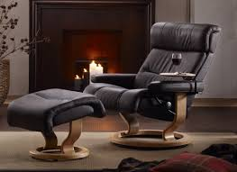 stressless memphis savannah recliner with matching leather